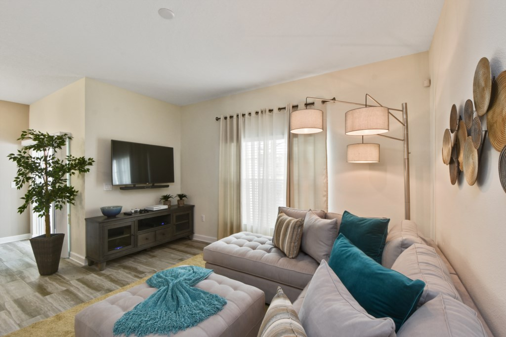 9_family_room