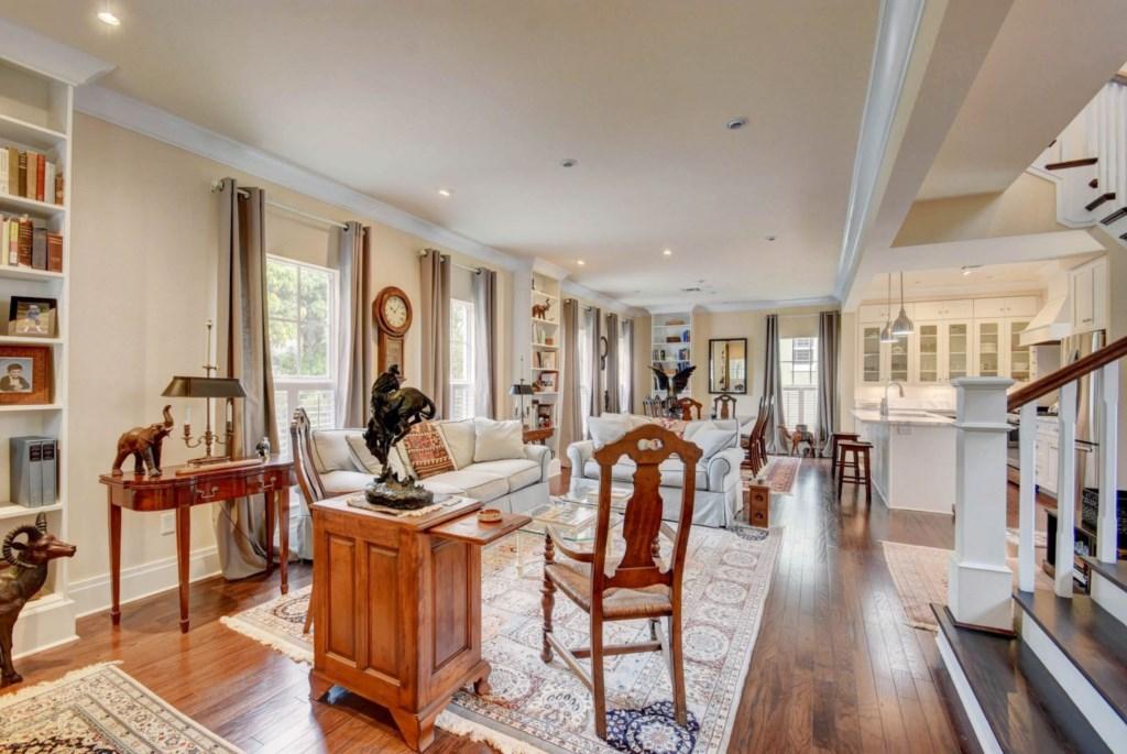 Living Room 700 N.jpg