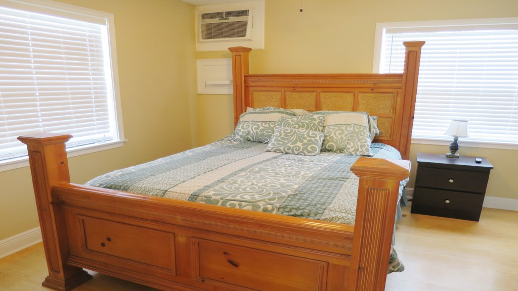 Beach Walk 1 master bedroom.jpg
