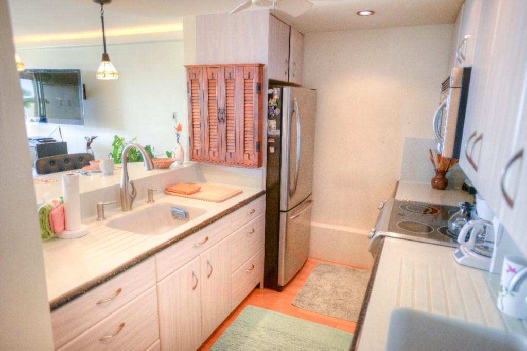 Fully Remodeled-Stylish  Kitchen
