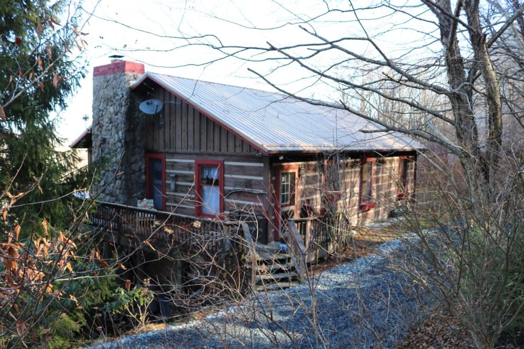 210 Crestview Cabin