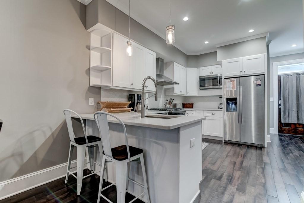 Kitchen: Photo 1 of 4