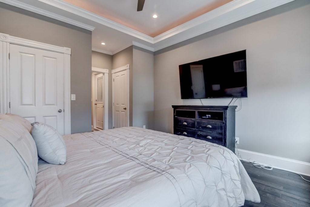 Master Bedroom: Photo 3 of 3