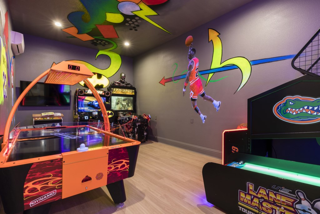 Arcade Room-1.jpg