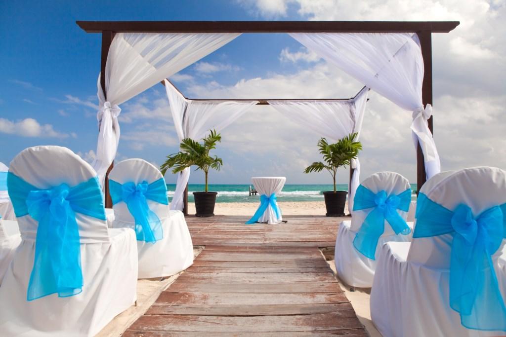 Public Beach access allows for Dream Weddings