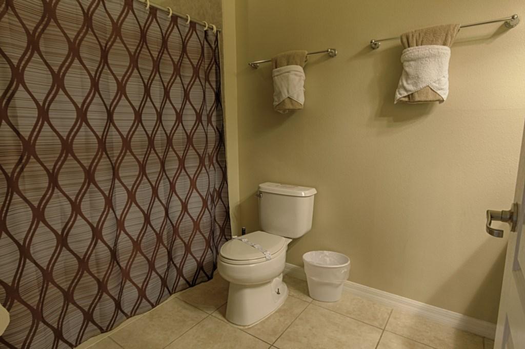 011-Bathroom