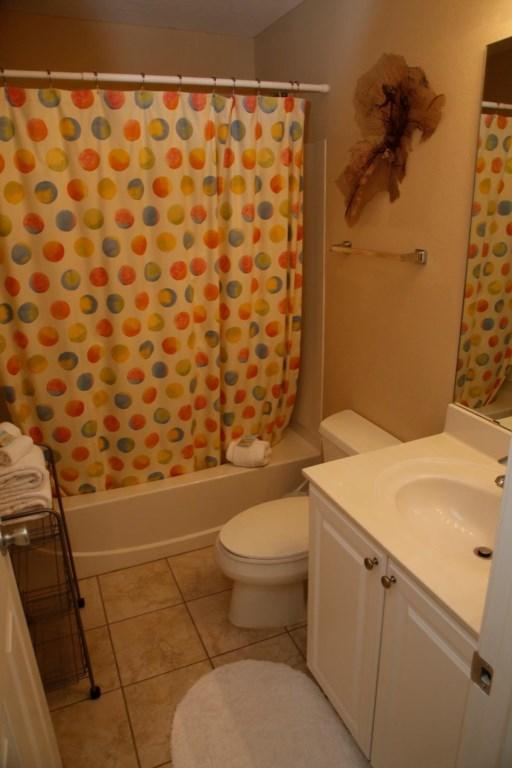 D31-Guest Bath with Tub.jpg