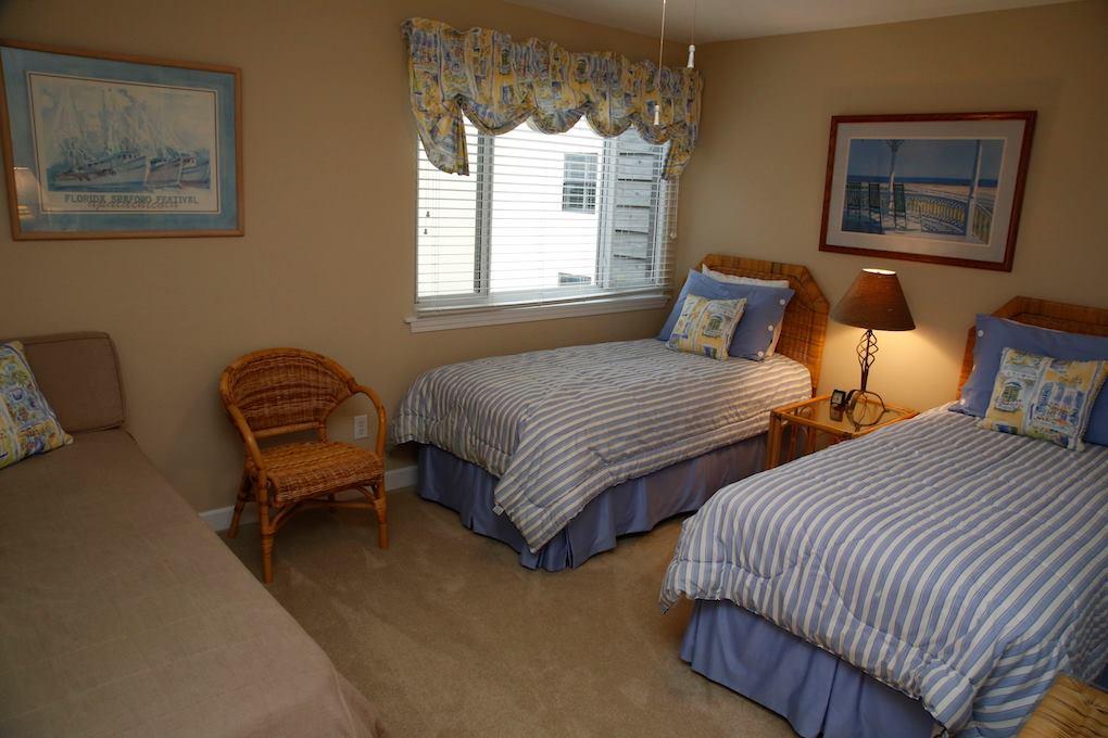 D31-Guest Twin Beds.jpg