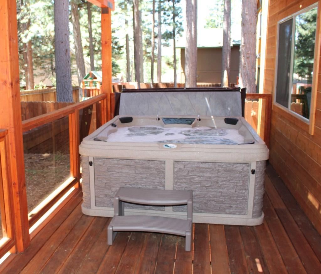 Hillside Haven Hot Tub.jpg
