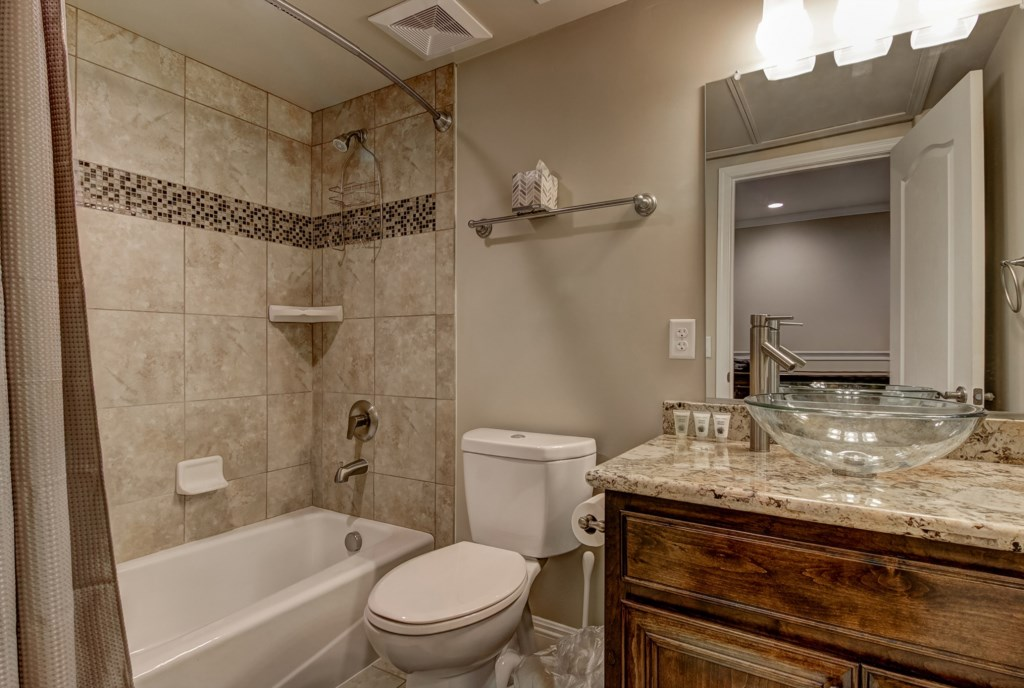 Well equipped Guest Bathroom