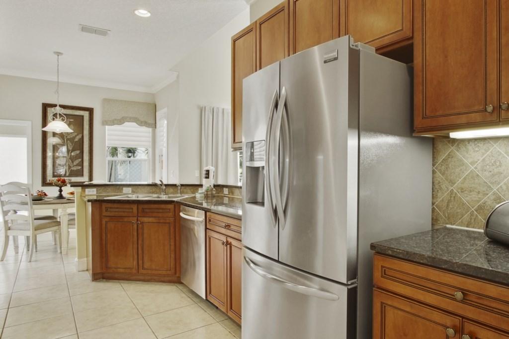 Large kitchen fridge/freezer