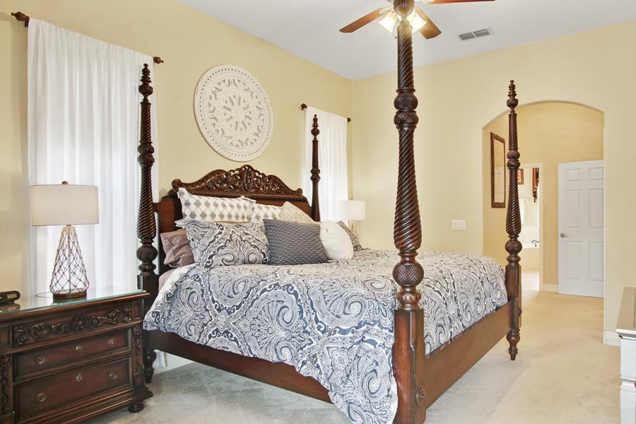 Bedroom 1- Downstairs Master King bedroom