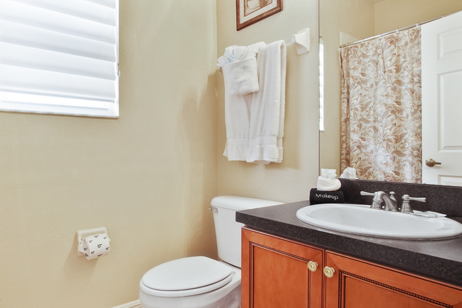 Bathroom 2 - Upstairs Hallway Bathroom with bathtub/shower overhead, sink, toilet
