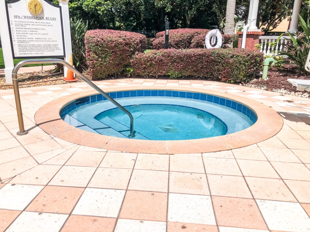 Enjoy The Cove at Seven Eagles - Resort style hot tubs!