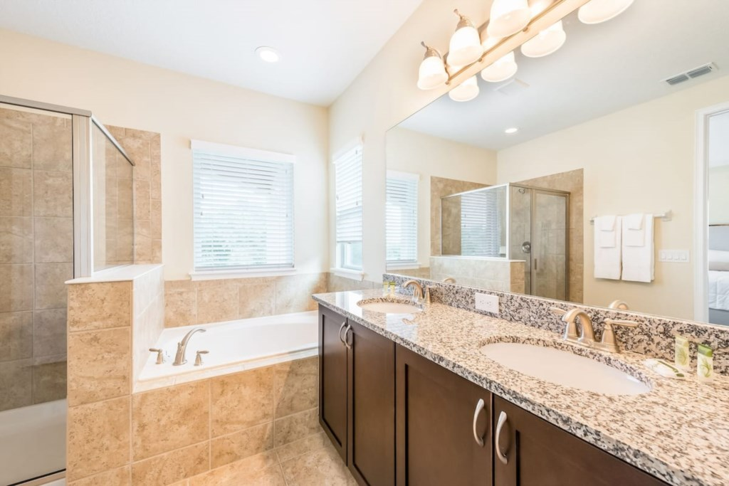 2nd Floor Master Bathoom - double sinks, stall shower and garden tub.