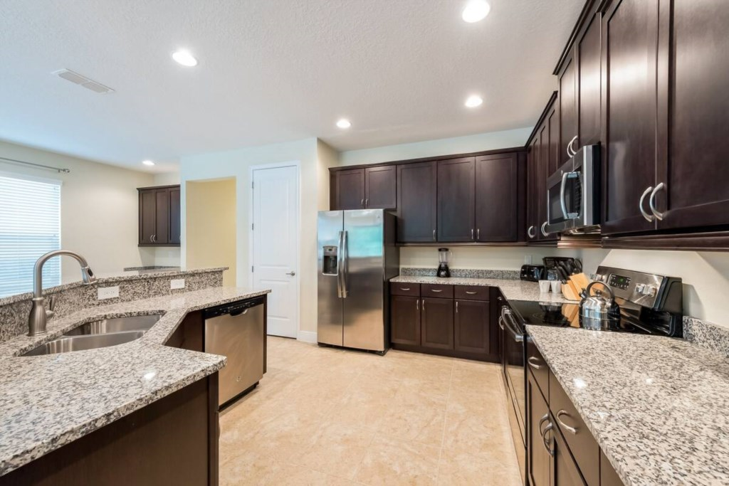 Large full size appliances, Fuly equipped.