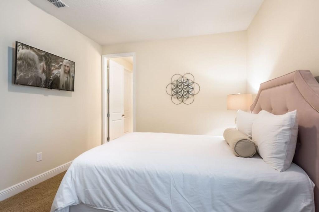 Double On Suite, nearest the loft, second floor