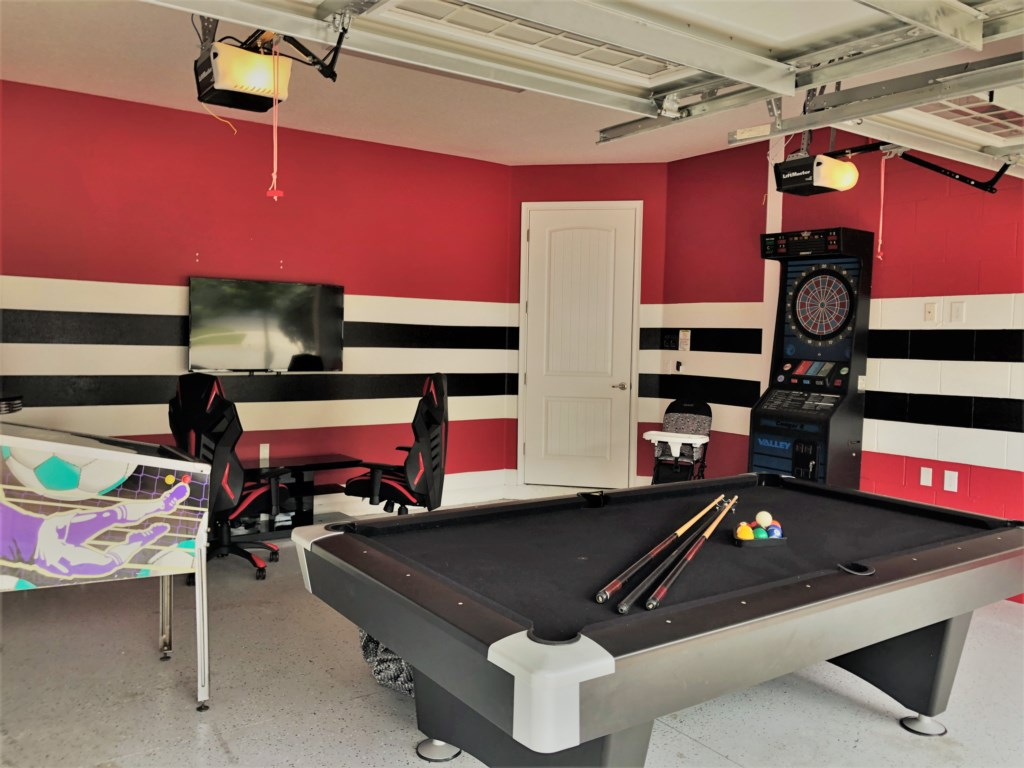 Games Room - Slate Table, World Cup Pin Ball, Full Size Darts, XBoxOne