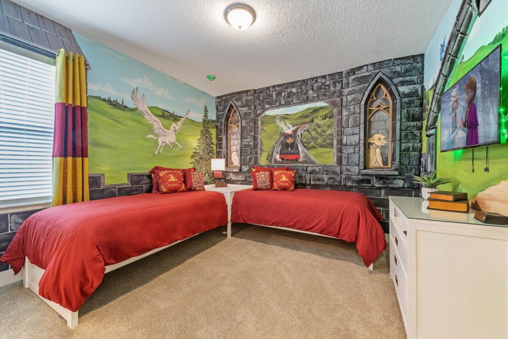 Harry Potter Themed Bedroom.jpg