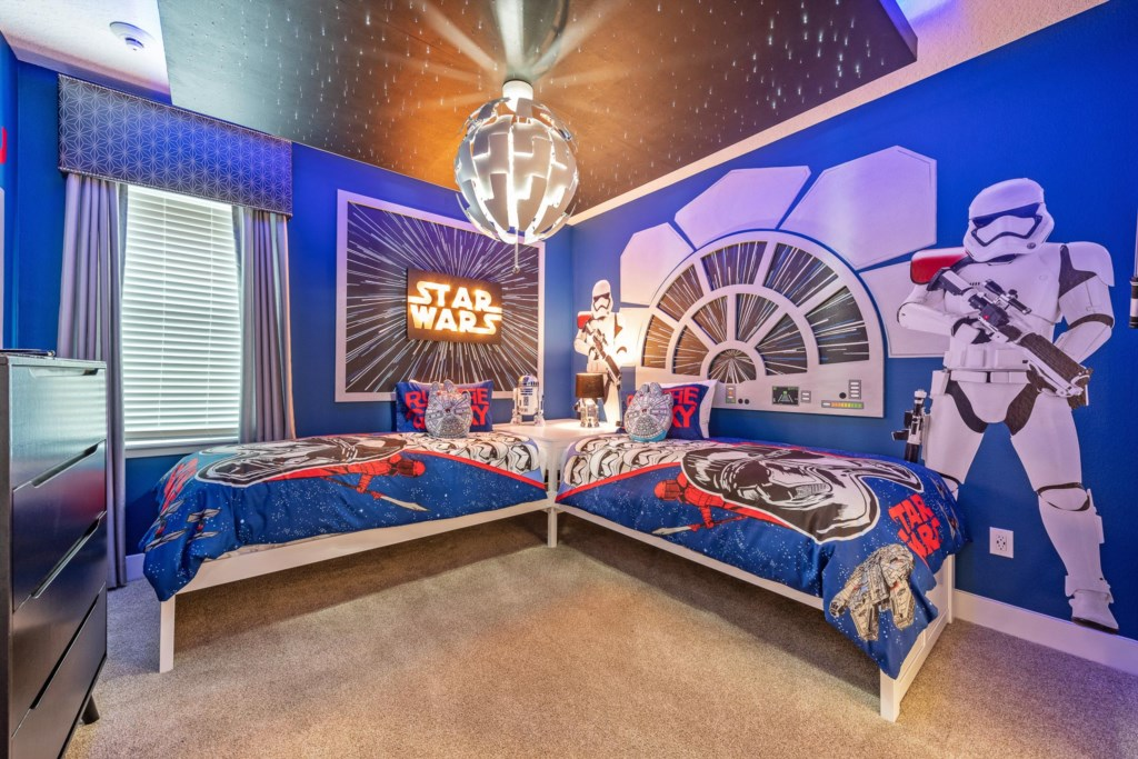 Star Wars Themed Bedroom.jpg