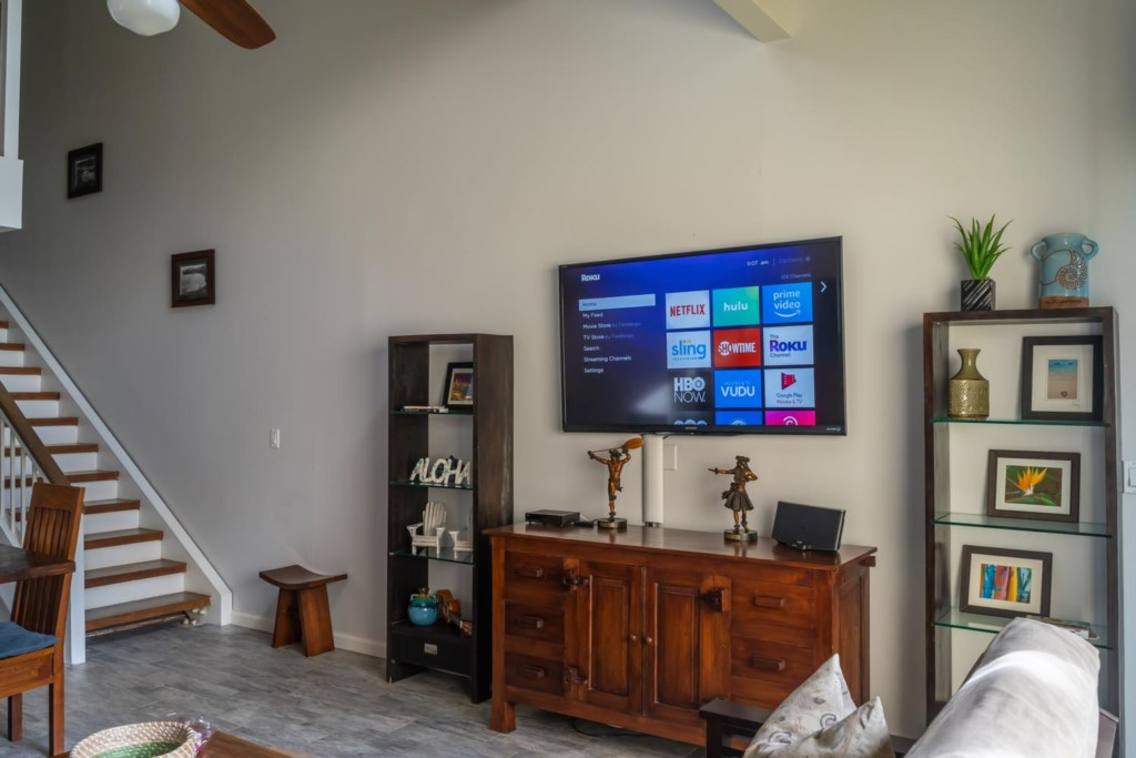 Large HDTV and Wifi Throughout