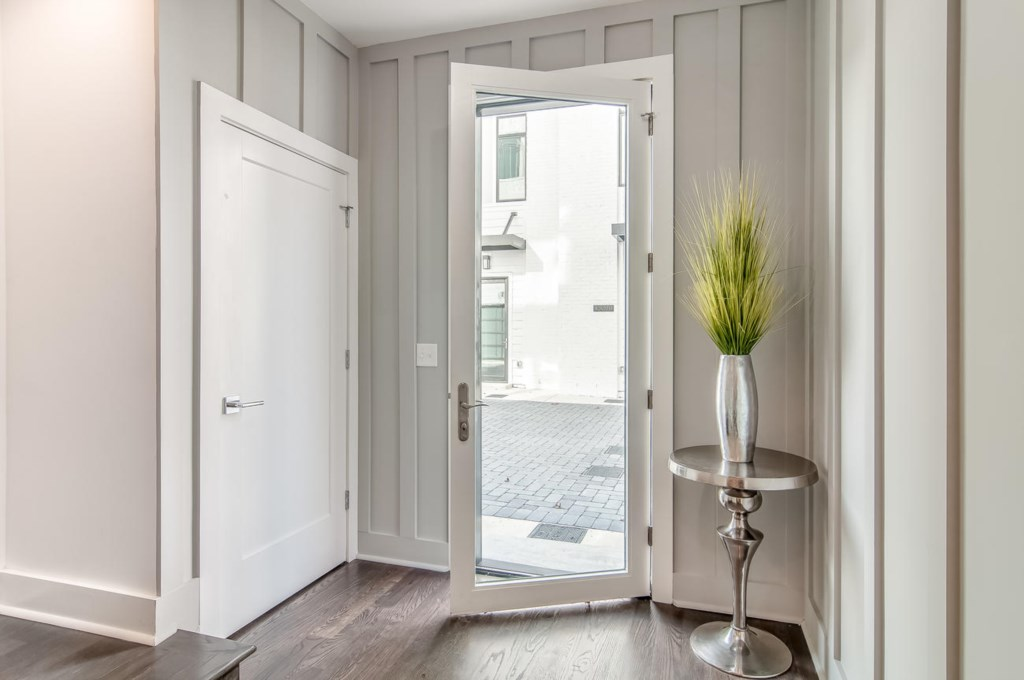 Entryway to your private Nashville Getaway!