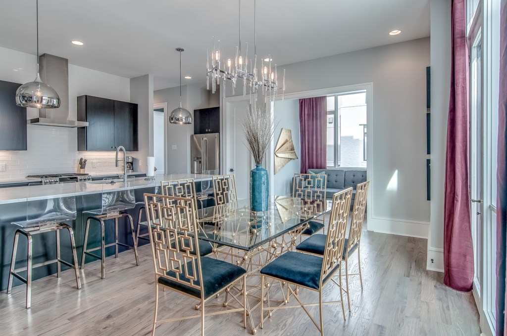 Kitchen-Dining-and-Breakfast-Bar