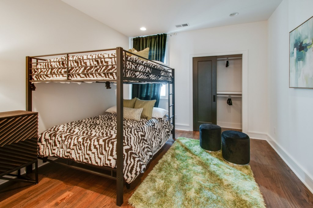 Bedroom-With-Bunkbeds