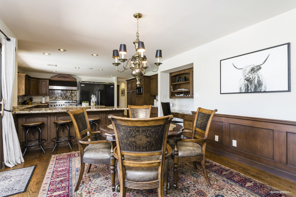 Dining-Area-and-Kitchen.jpg