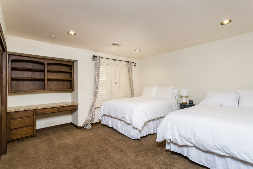 Second bedroom with two Queen beds