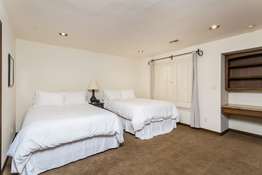 Third bedroom with two Queen beds