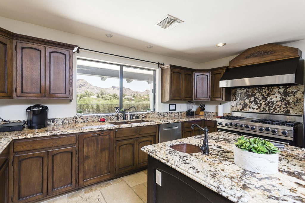 Kitchen-Counters-and-Appliances.jpg
