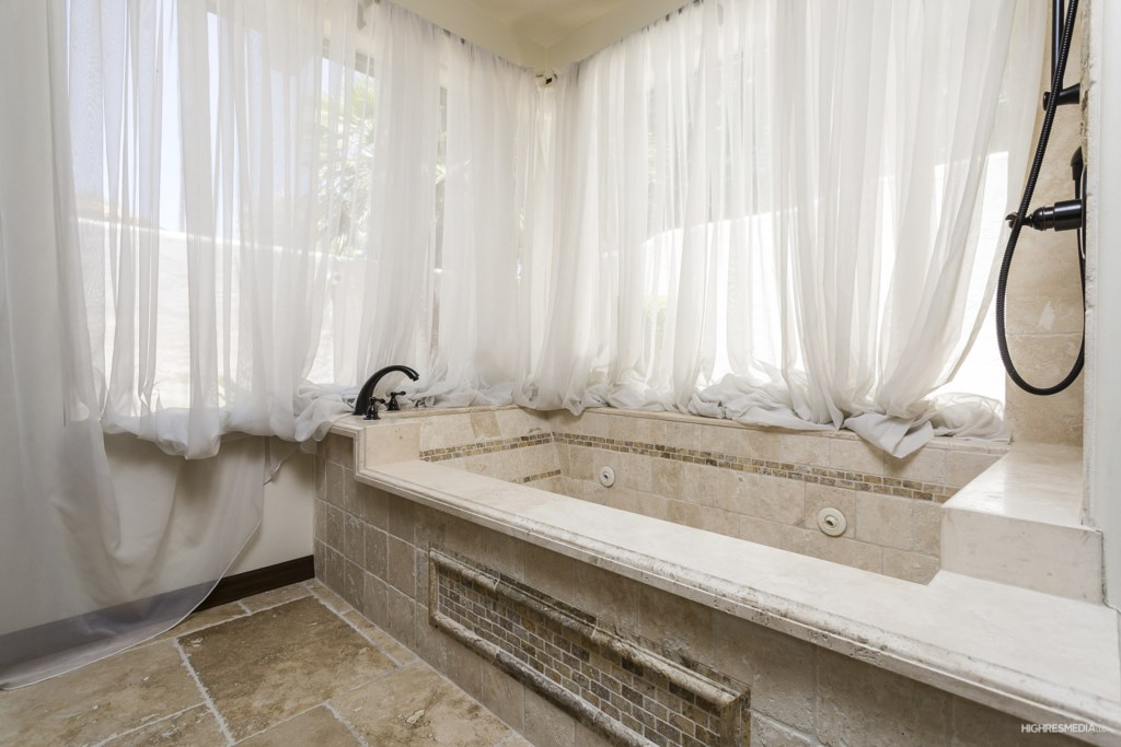 Beautiful large bathtub in the master bedroom