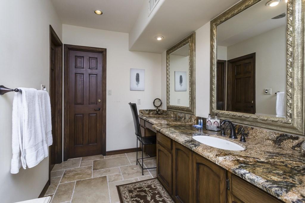 Master-Bathroom-Sinks.jpg