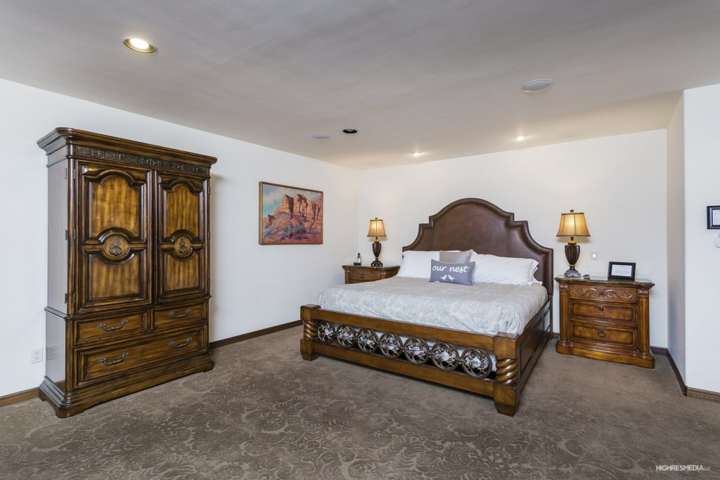 Huge master bedroom with King size bed