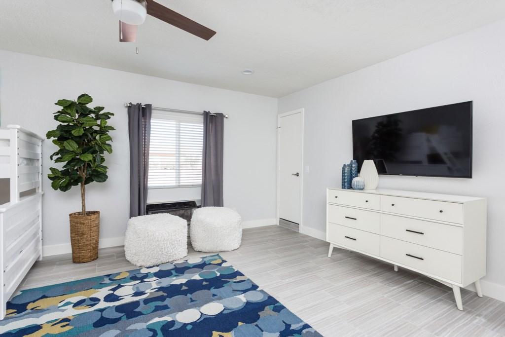 Bunkbed-Bedroom-TV.jpg