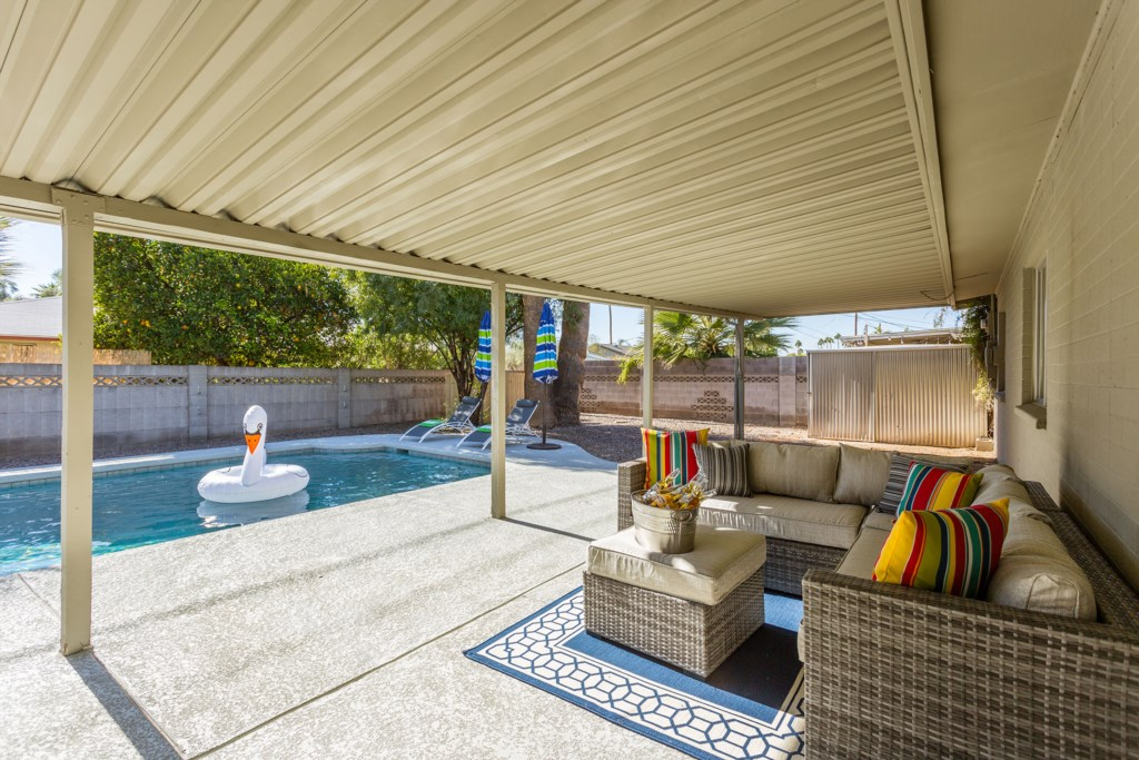 Covered-Patio-and-Seating.jpg