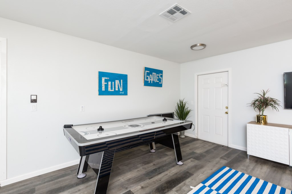 Converted garage game room great for entertainment!