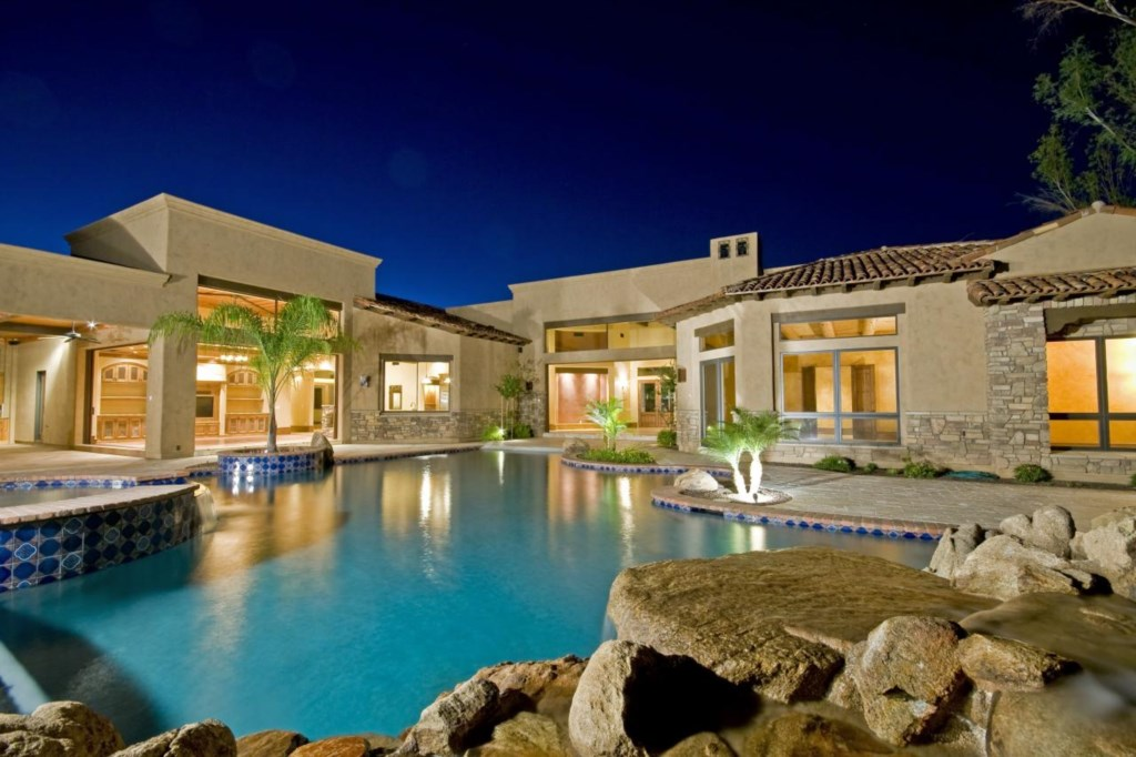 Backyard-Pool-and-Patio