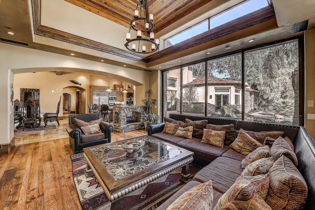 Living-Room-Natural-Lighting