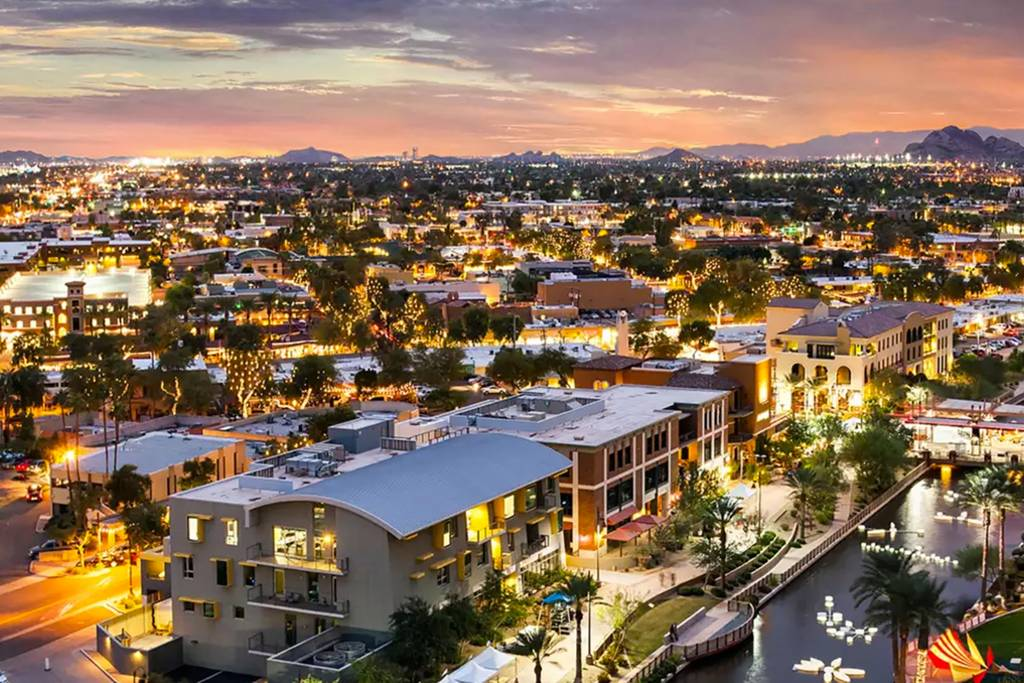 Downtown Scottsdale - walking distance