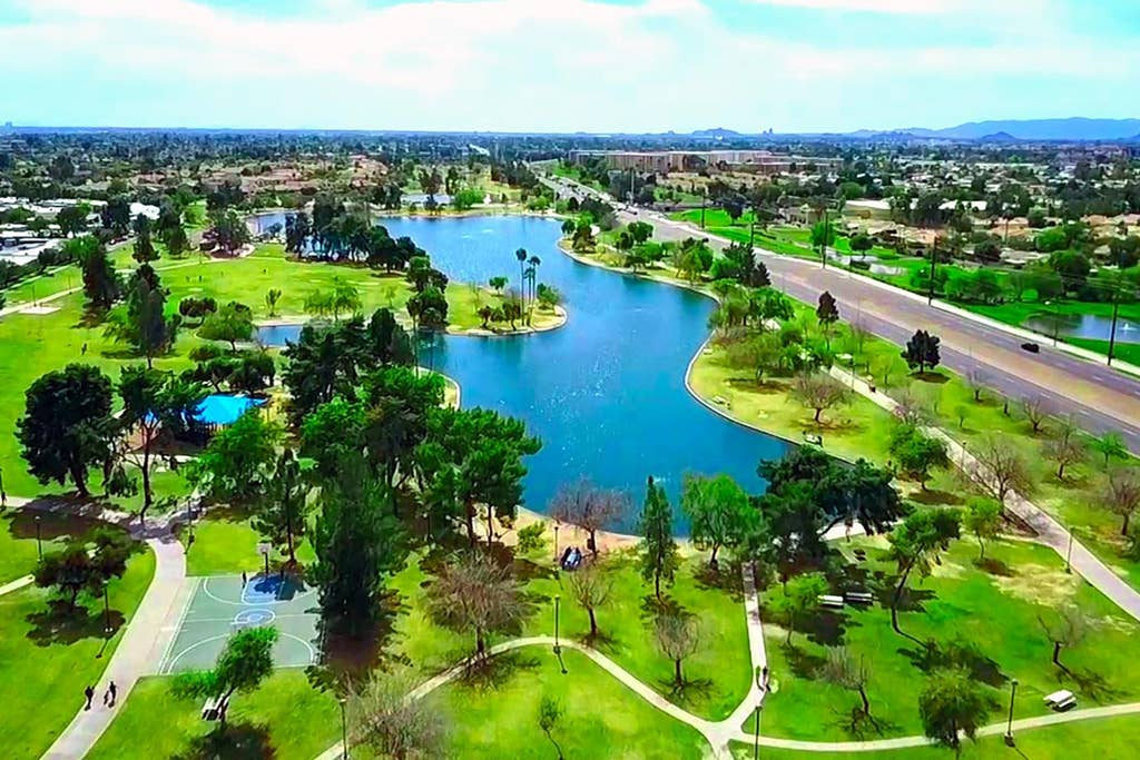 Chaparral Park - 1 block away