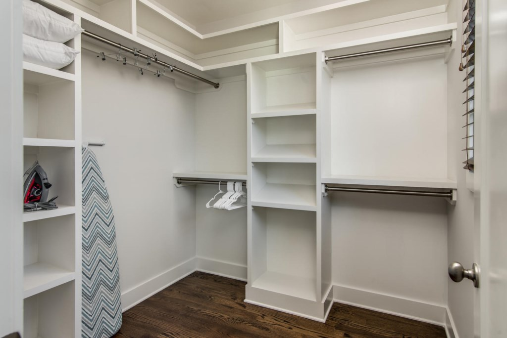 Walk-in closet space gives guests plenty of room to unpack and unwind.