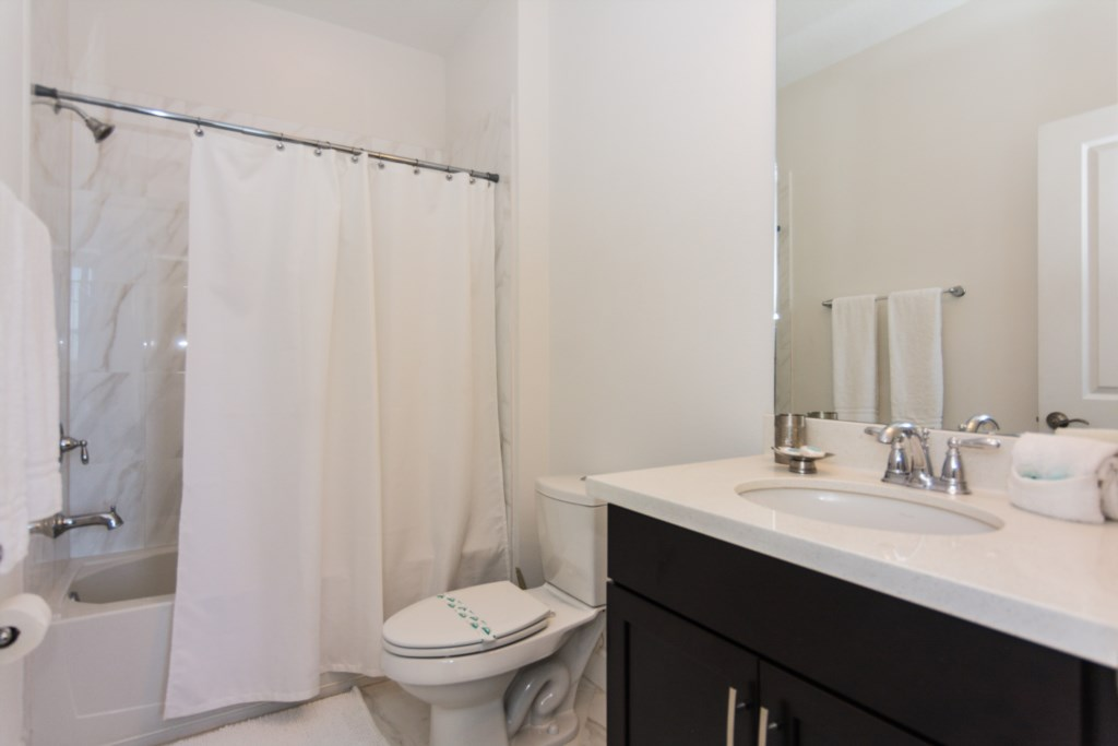 Minions Bedroom 3 Bath.jpg