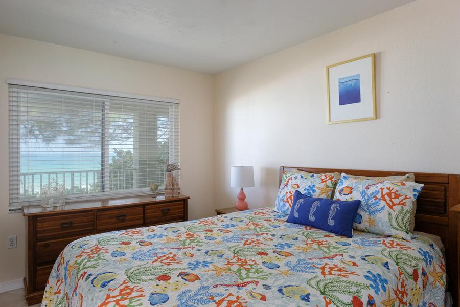 shell cove 8 bedroom 1.jpg