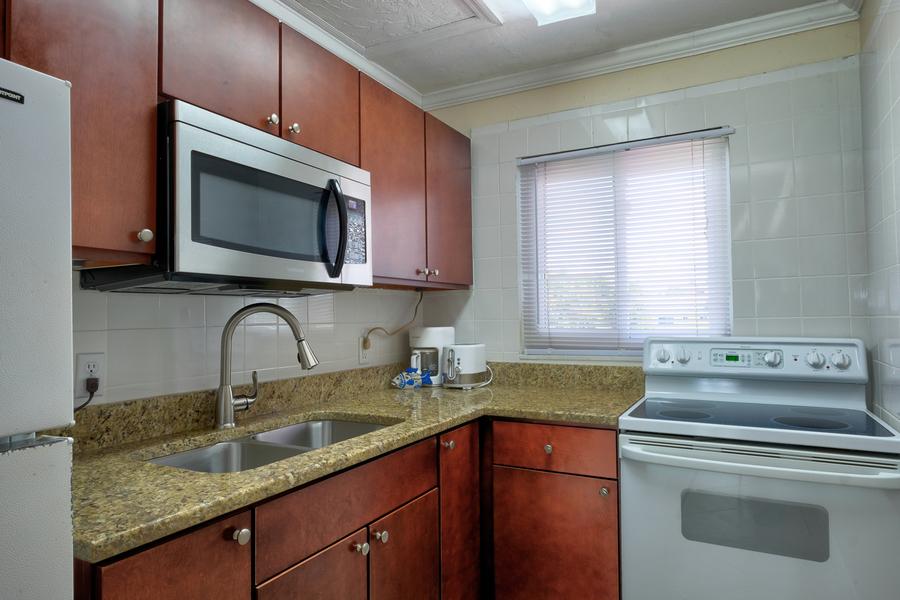 shell cove 8 kitchen.jpg