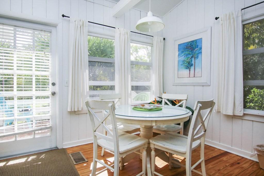 Cott 16 Dining Area b.jpg