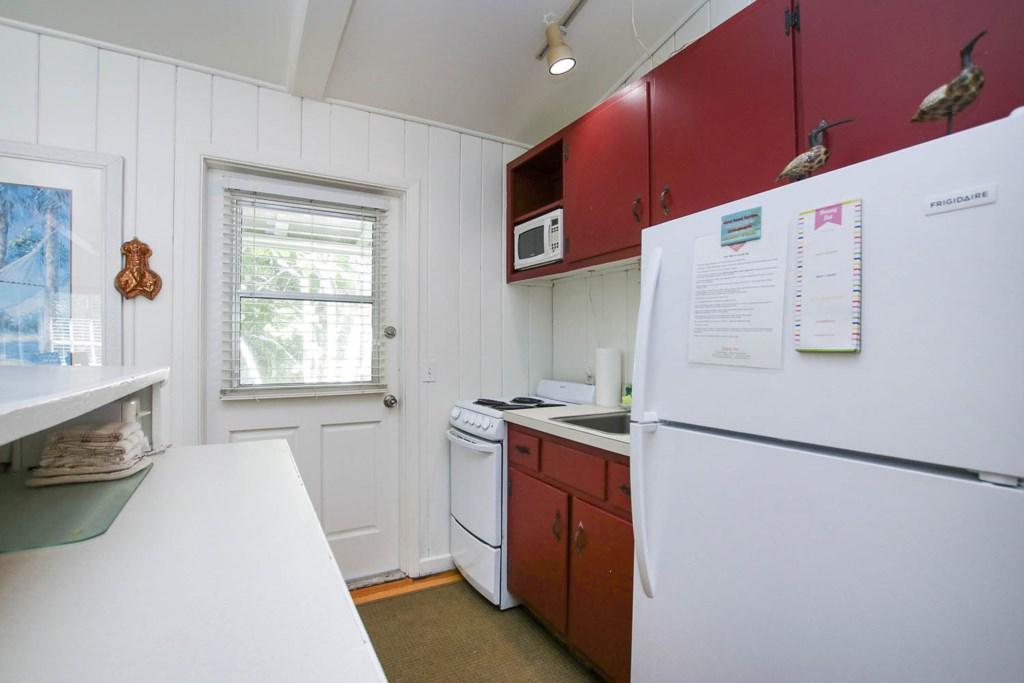 Cott 16 Kitchen b.jpg