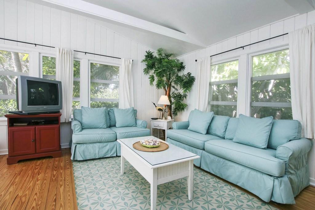 Cott 16 Living Room b.jpg