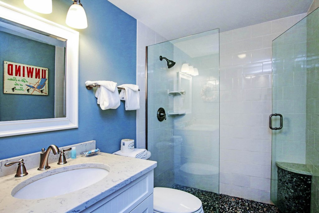 C9 Bathroom (2).jpg